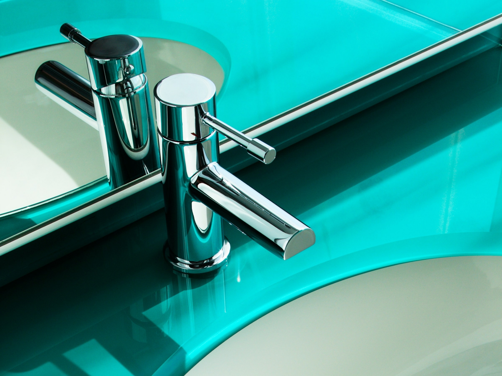 A GLIMPSE AT THE SHINY, RITZY BATHROOM OF TOMORROW